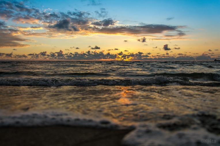 Sunrise Surf - D71_7961