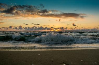 Sunrise Surf - D71_7976
